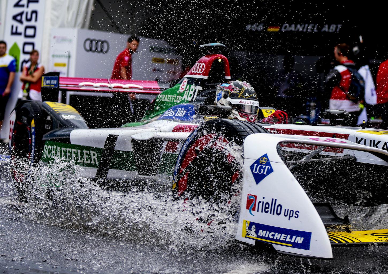 La finale di New York del 15 luglio 2018 è stata in assoluto la prima gara bagnata di Formula E. (AUDI)