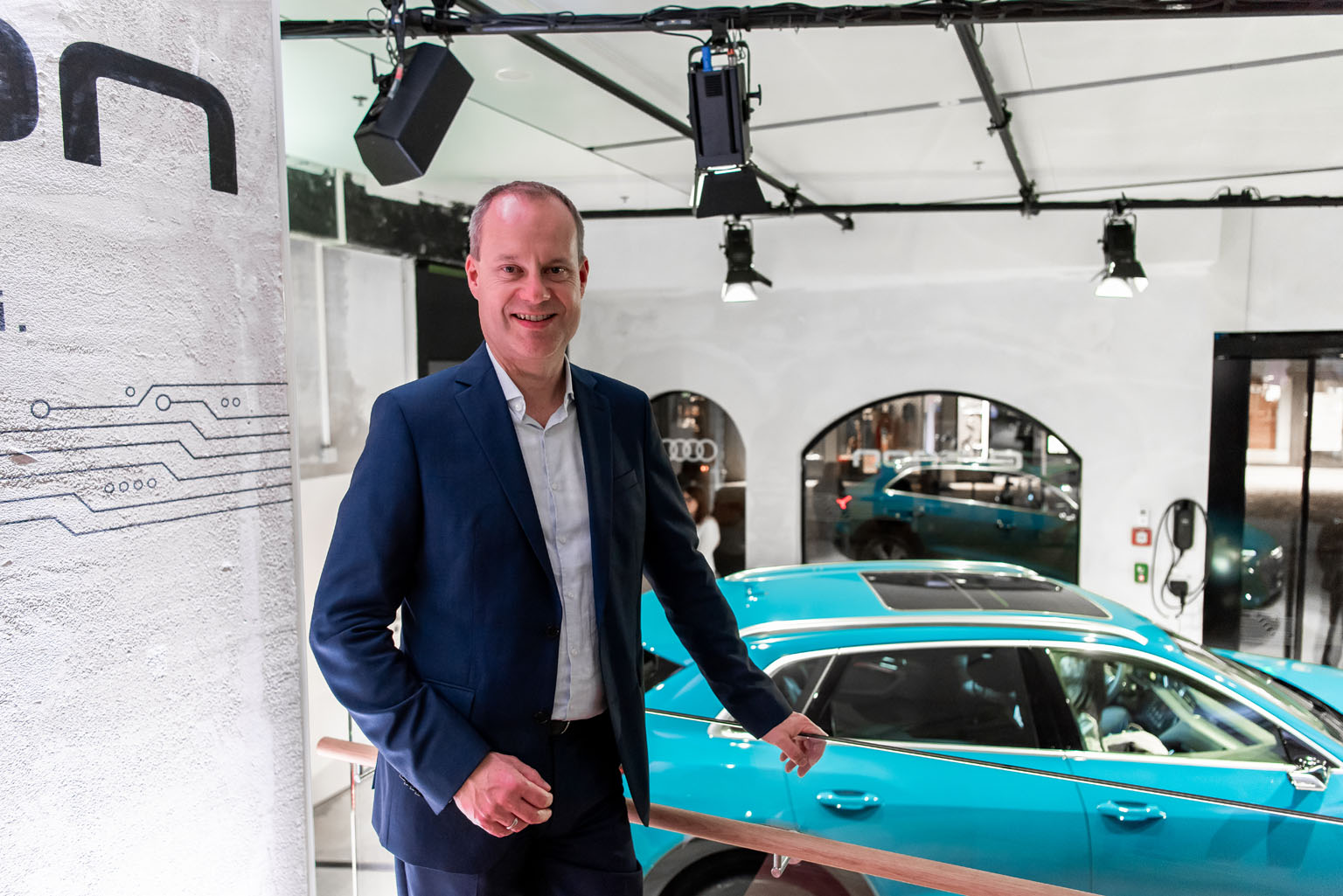 Jens van Eikels im Audi e-tron Pop-up Store in Zürich. (Tom Lüthi)