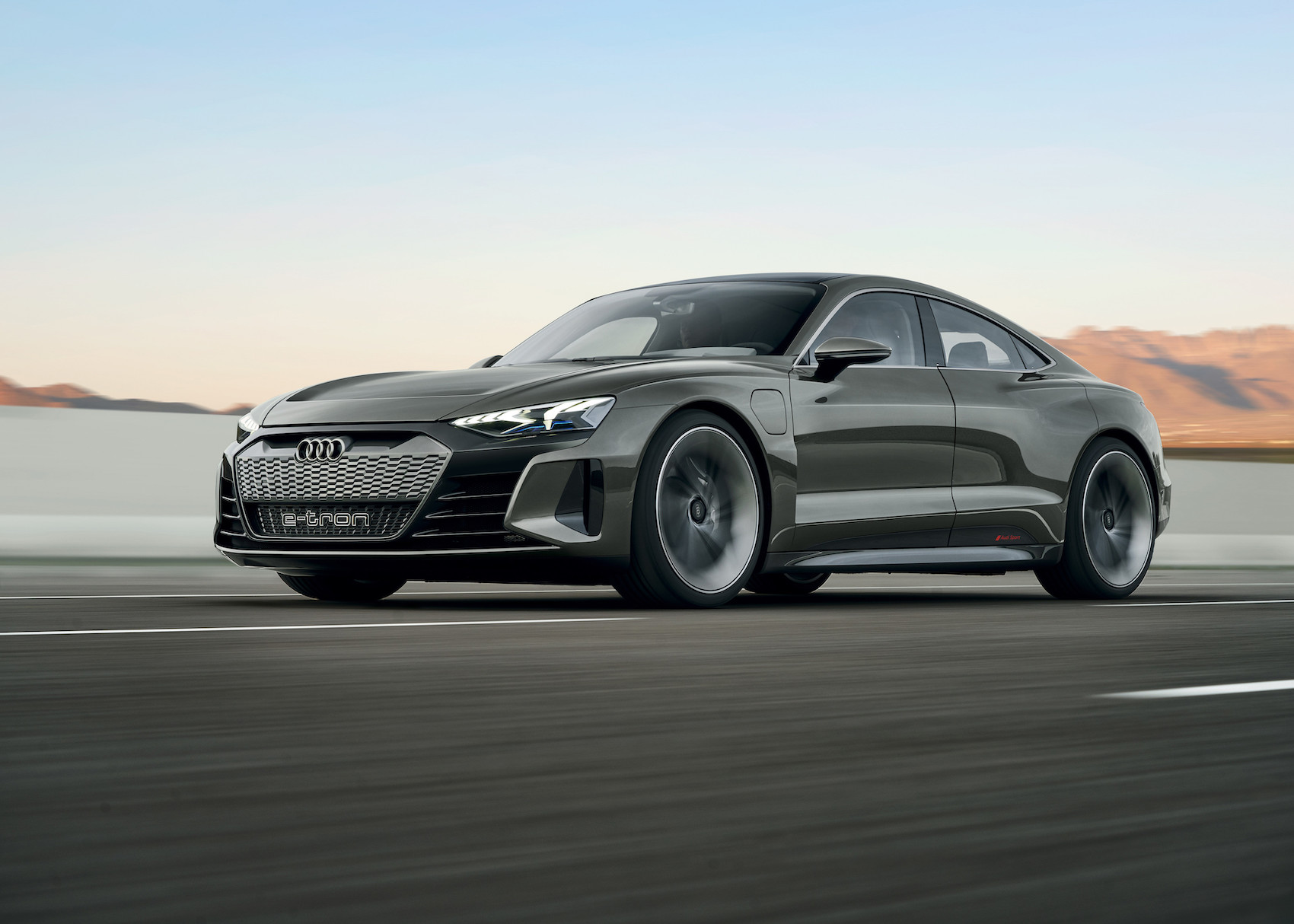 La versione di serie della e-tron GT sarà disponibile a partire dal 2021.