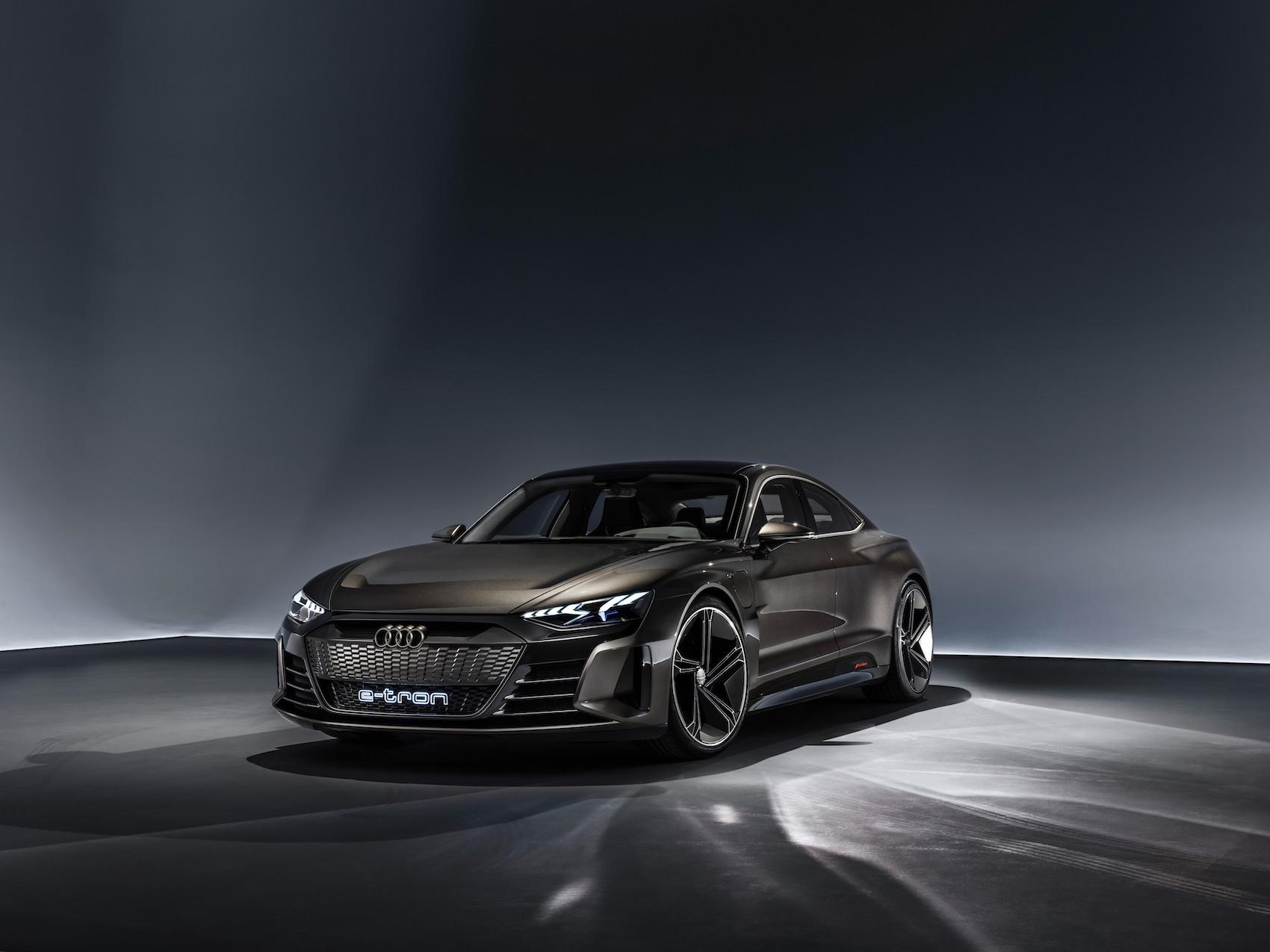 L'Audi e-tron GT concept passa da 0 a 100 km/h in soli 3,5 secondi. (AUDI)