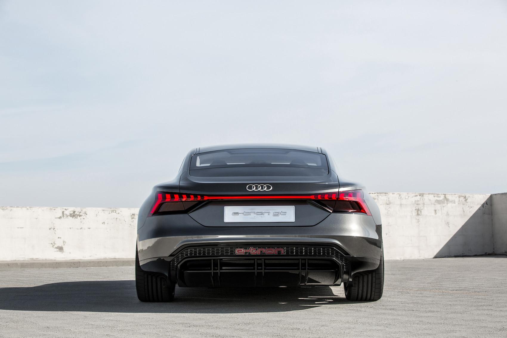 L'e-tron GT concept montre la prochaine étape du développement du langage des formes d'Audi. (Audi)