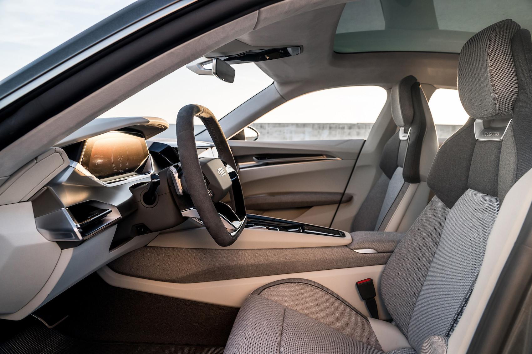 """La sostenibilità di Audi e-tron GT concept non ha confini: l'abitacolo è """"vegan approved"""". (Audi)"""