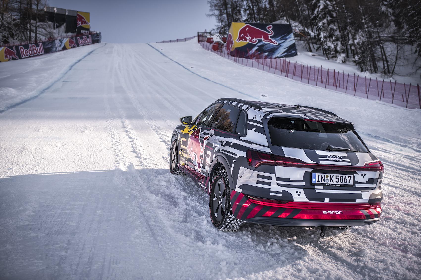 Der «Schnee-tron» wurde mit extra angefertigten Spikes ausgestattet. (Foto: Audi)