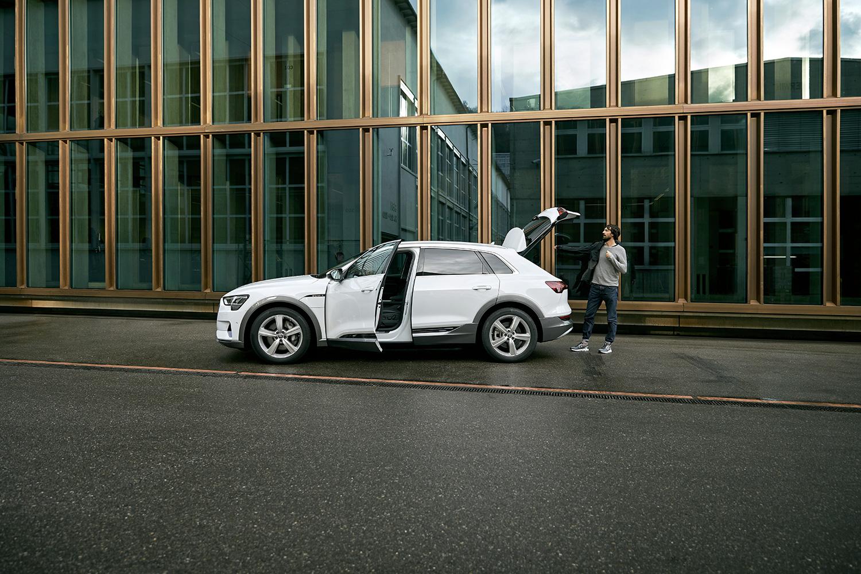 L'Audi e-tron a convaincu Caspar Coppetti.