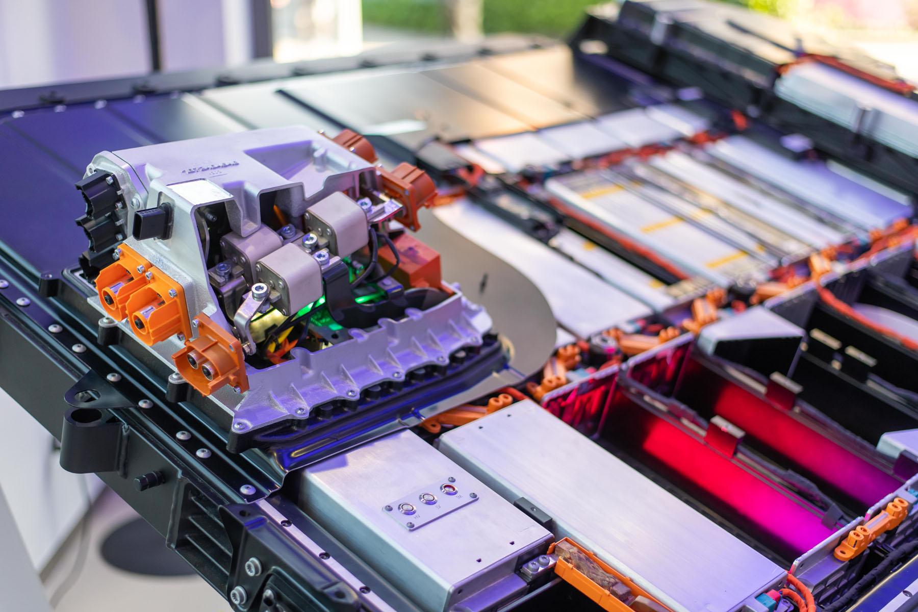 Das Kraftpaket: Am Utoquai ist auch eine Batterie aus einem Audi e-tron ausgestellt.