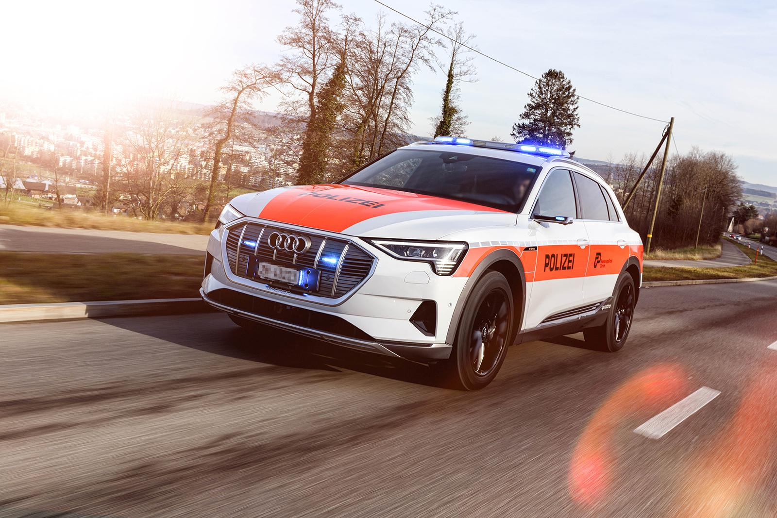 L'Audi e-tron della polizia cantonale di Zurigo all'opera. (Polizia cantonale di Zurigo)