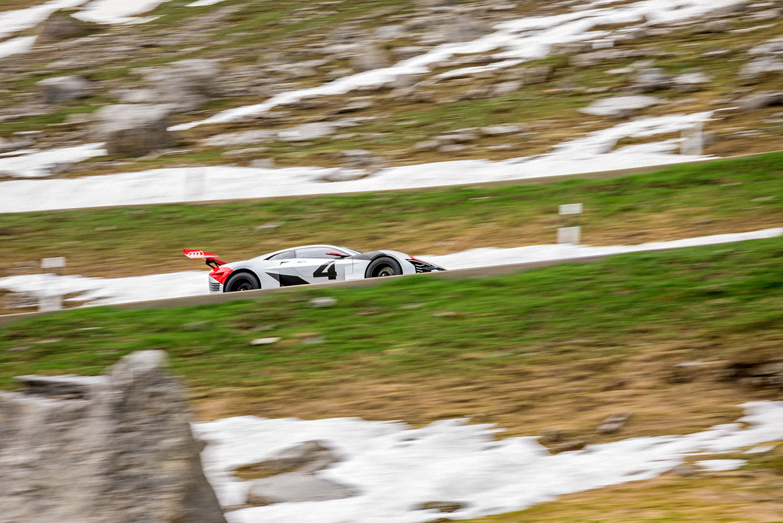 Der Audi e-tron Vision Gran Turismo am Klausenpass. (Filip Zuan)