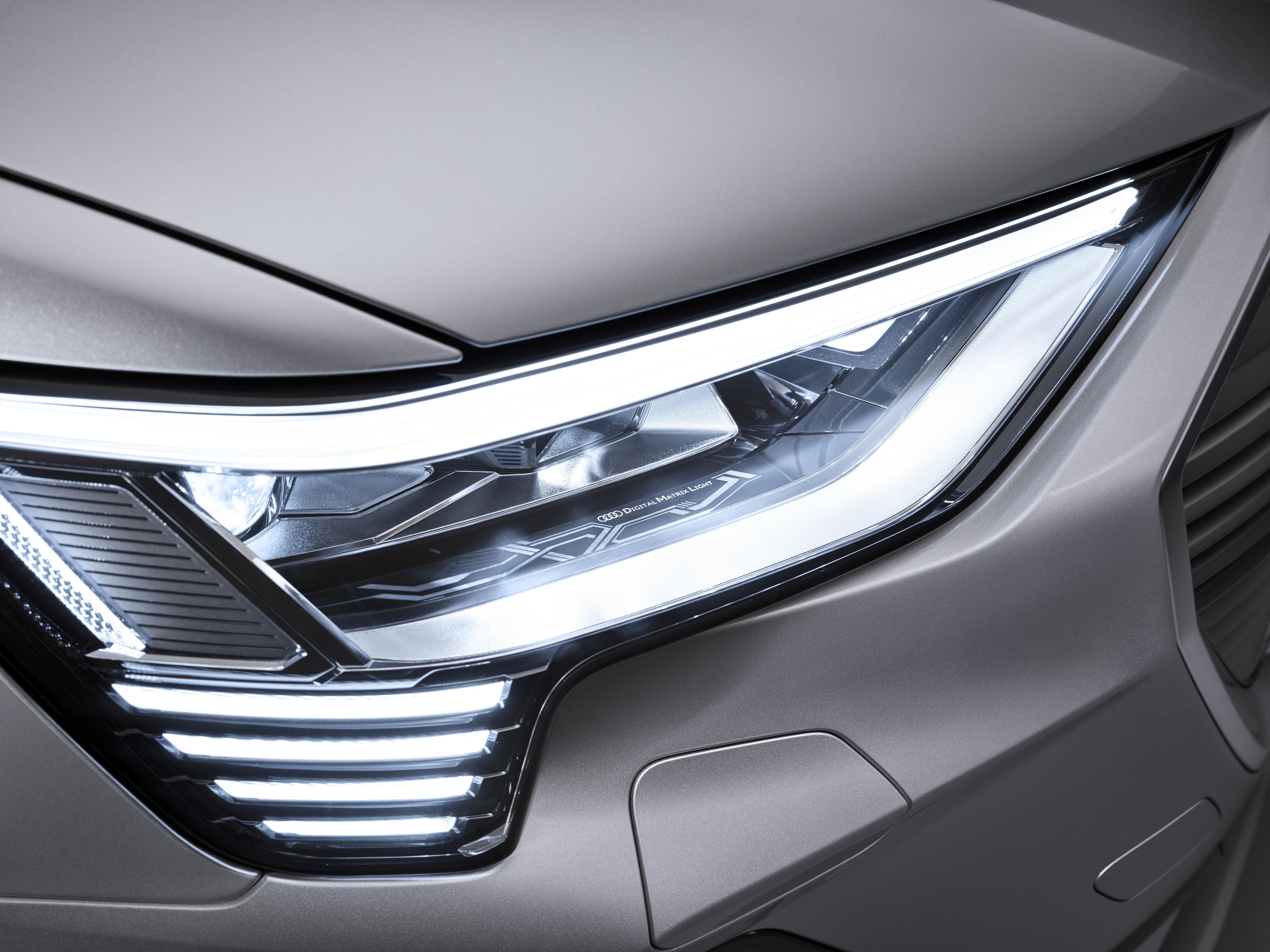 Les phares Matrix LED numériques de l'Audi e-tron Sportback. (AUDI)