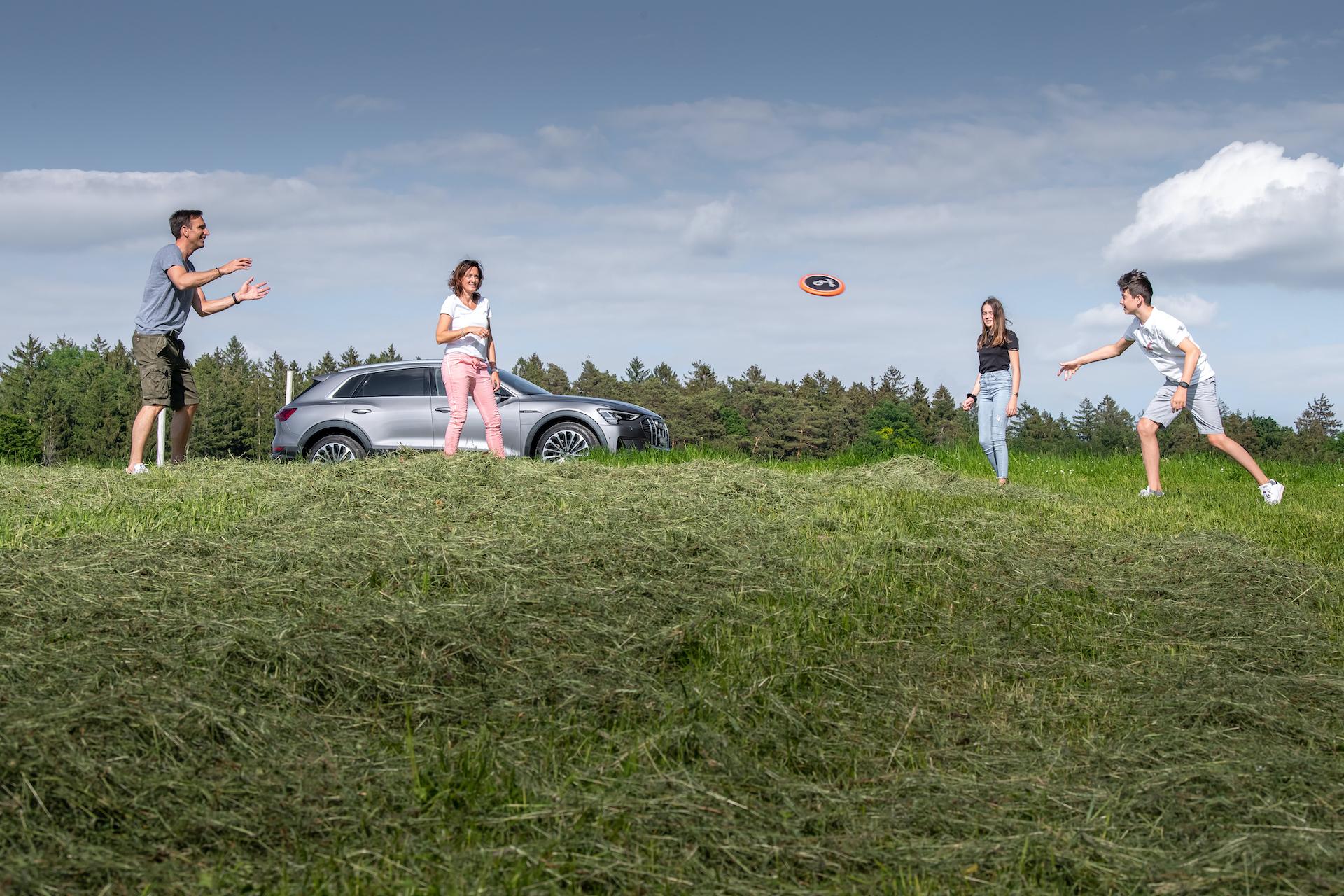 Familie Mandioni: Nadir, Nicole, Vanessa und Alessio. (Tom Lüthi)