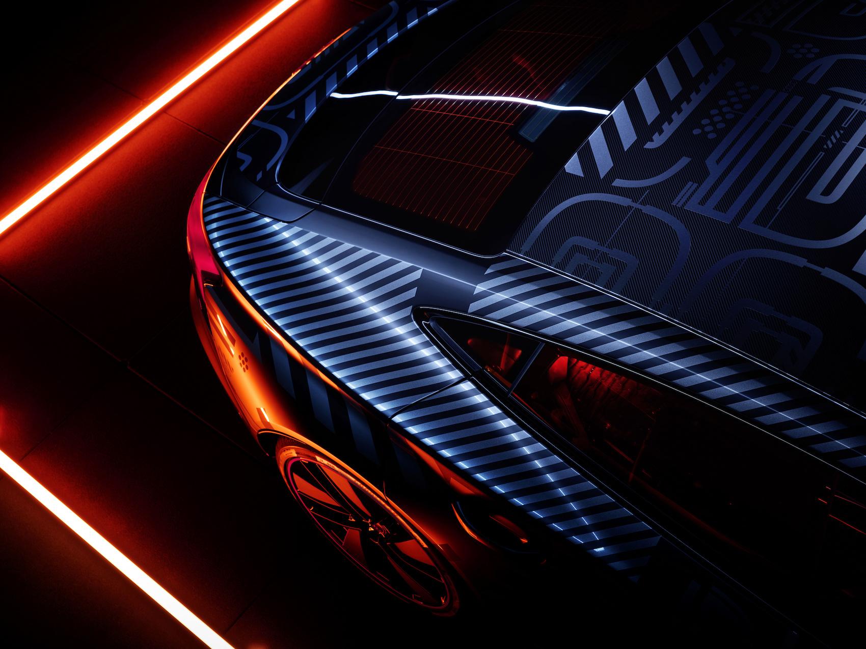 Dicke Backen: Die Seitenwandrahmen des e-tron GT haben eine Ziehtiefe von 35 Zentimeter. (Audi)