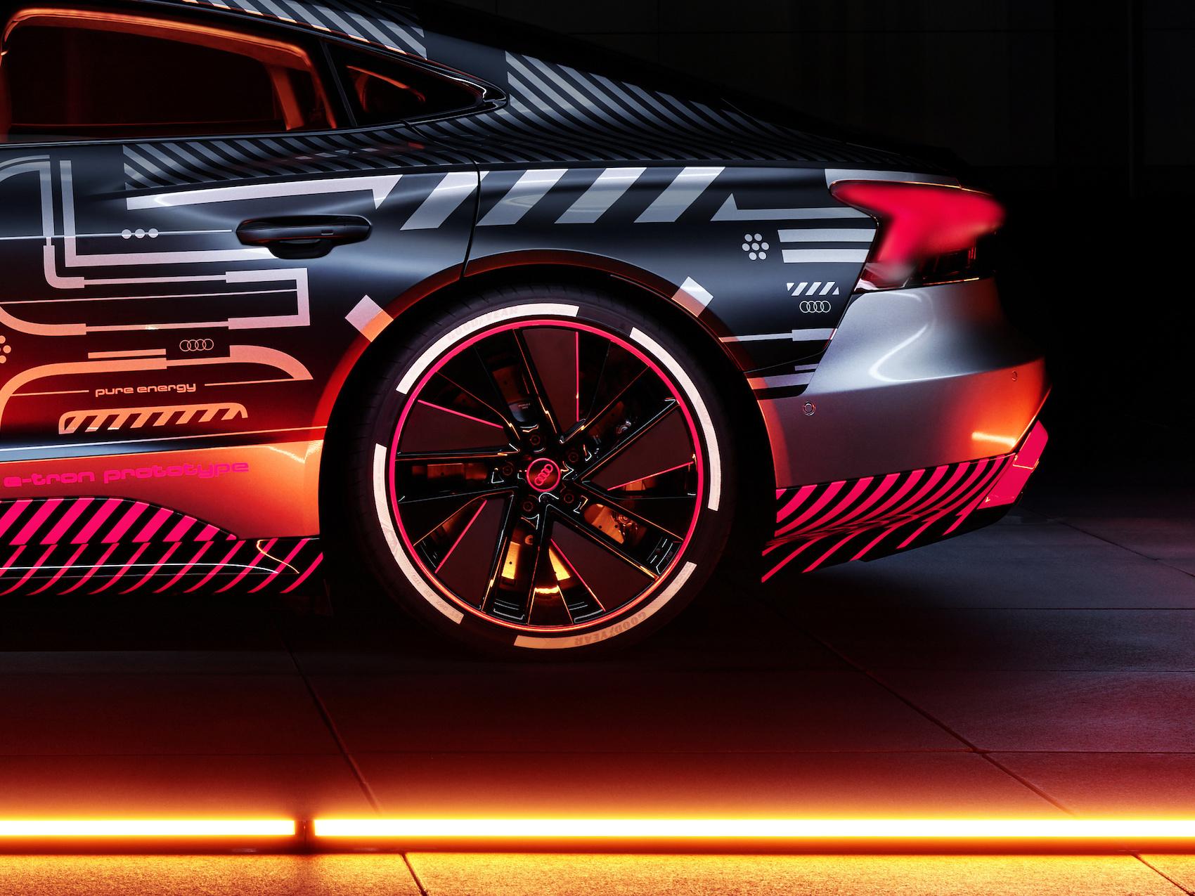 Noch gibt es den Audi e-tron GT erst mit «Prototype»-Camouflage zu sehen. Premiere hat er 2021. (Audi)